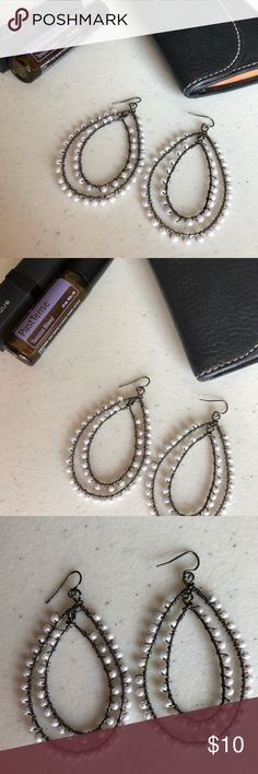 Marked Down‼️ Black and White Dangle Earrings Black Oval Dangle Earrings / Black and white / NWOT  Pretty and Simple ✨ Reasonable Offers Welcomed ✨ Bundle and Save Jewelry Earrings