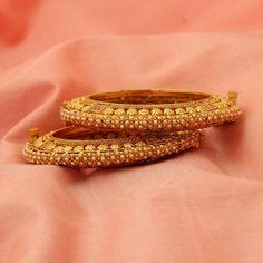 https://www.shreehari.co/costume-jewellery/atbg190.html