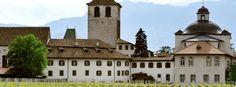 Gries: églises et monuments - Bolzano. Abbaye des Bénédictins de Muri-Gries. Italie Le monastère fut d'abord occupé par les moines augustiniens (1406).