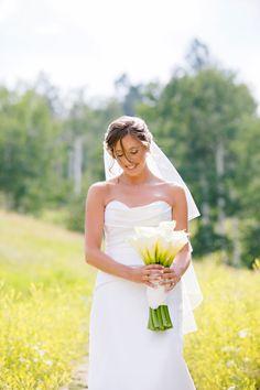 Mountain Bride. Dress: @vwidon //  image: @francesmarron // flowers: @vintagemagnolia via @luxemtweddings