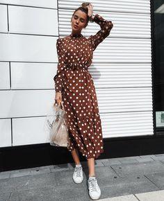 New new new🐾🐾🐾 Очень много новинок ( платья пиджаки, платья рубашки с асимметрией, спортивные костюмы с белой полоской , которые все ждали) и многое другое ❤️🍾 Малый конюшковский переулок 2 +79670082786 Apron Dress, Blouse Dress, Dot Dress, Christine Fashion, Short Frocks, Really Cute Outfits, Cool Outfits, Looks Com Tenis, Apostolic Fashion