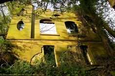 The Lost Castle of Dover, The Courts Folly Keep, Western Heights, Kent, UK Abandoned Castles, Abandoned Places, Dover Castle, White Cliffs Of Dover, Georgian Architecture, Oval Windows, Westerns, Kent England, Lost