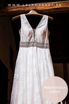 Cena: 750 € Silueta: A-Línia Veľkosť na štítku: 42 (EU) Značka/dizajnér: @moncheribridals Stav: Použité (oblečené na svadbe) Mon Cheri, Silhouettes, Formal Dresses, Fashion, Dresses For Formal, Moda, Formal Gowns, Fashion Styles, Silhouette