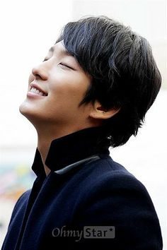 Yoon shi yoon His Clara C is showing. :) that beautiful smile. No words.
