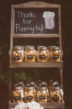 Barn wedding - popcorn favor