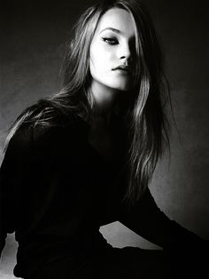 BY PATRICK DEMARCHELIER  This photo is kind of edgy it has split lighting but its not creepy its more glam.
