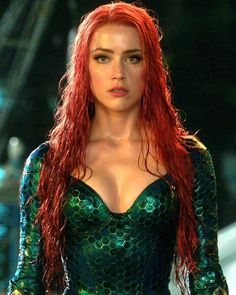 Look at her ! Look at her ! She is a GODDESS and she knows it 😍😍😍🙌🏻🙌🏻💪🏻💪🏻💪🏻 . Marvel Girls, Comics Girls, Marvel Dc, Marvel Comics, Aquaman, Hollywood Actresses, Actors & Actresses, Mera Dc Comics, Amber Heard Photos
