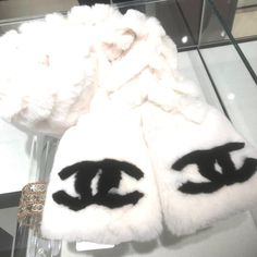 Handbags - I think they were my first fashion love (and if I had design skills, I would love to beco Lv Handbags, Fashion Bags, Fur Coat, Chanel, Blog, Women, Fashion Handbags, Lv Bags, Fur Coats