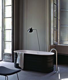 Agape bathtub designed by Patricia Urquiola