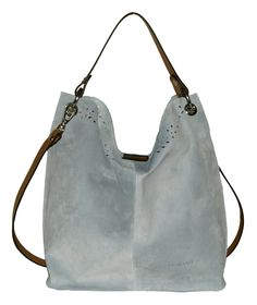 SHOULDER BAG DE PIEL 301    Un bolso original de excelente calidad acabado en piel de vacuno. Su elegante diseño, su tono claro y doble asa para colgar del hombro o de la mano lo hacen tremendamente deseable para cualquier mujer.