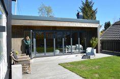 20 KVM: Hagestuen er 20 kvadratmeter og ligger rett ved siden av huset. (Foto: Kari Byklum)