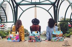 """Cada día es una nueva aventura"". Hermosa colección de @veturquesa   Información & contacto:  Info@verdeturquesa.com.ve http://ift.tt/1T86GnH Instagram & Twitter:  @veturquesa    DIRECTORIO MMODA  #Tendencias con sello Venezolano  #DirectorioMModa #MModaVenezuela #DiseñoVenezolano #Venezuela #carteras #bag #designer #hechoenvenezuela #fashionlover"
