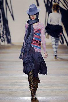 Vivienne Westwood Fall 2006 Ready-to-Wear Fashion Show - Eugenia Mandzhieva