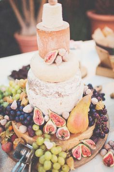 wedding cheese cake at Hochzeitswahn - Sei Inspiriert 2013 - Bookparty