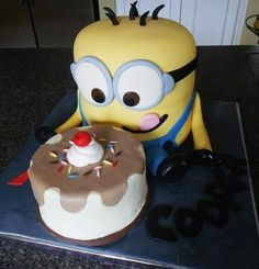 Minion madness - kids will love these #cakes