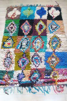 Vintage Moroccan Rag Rug BOUCHEROUITE Diamonds by lacasadecoto