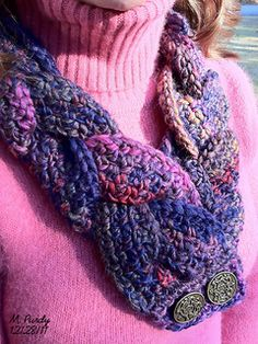 This pattern was originally published in December of 2011. I now offer it as a free Ravelry download.