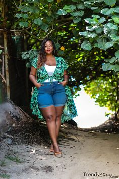 Summer Trend: The Mighty Palm - Trendy Curvy Curvy Fashion Summer, Fat Fashion, Curvy Women Fashion, Petite Fashion, Style Fashion, Plus Size Looks, Curvy Plus Size, Plus Size Fall Outfit, Plus Size Outfits