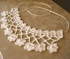 53 crochet flower patterns and what to do with them easy 2019 page 2 of 58 – Beautiful Leaves to Crochet - SalvabraniI think that a model that is contrary to ordinary knitting flower motifs will do a lot of work. I think that this crochet Col Crochet, Crochet Lace Collar, Crochet Lace Edging, Crochet Diy, Irish Crochet, Crochet Flowers, Crochet Stitches, Crochet Ideas, Bijoux Shabby Chic