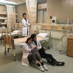 Korean Drama 2017, Korean Drama Romance, Korean Drama Quotes, Lee Sung Kyung Doctors, Seo Hyun Jin, Romantic Doctor, Yoo Yeon Seok, Medical Wallpaper, Medical Drama