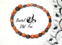 Sumizu Armband  von Bastel-DW-Fee auf DaWanda.com Wire Armband mit kleinen Holz Perlen.
