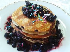 Fitness girl recipes: Protein banana pancakes -soo delicious and easy to make. Have you ever tried?