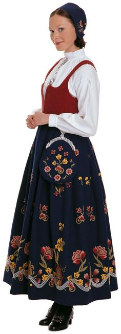 """""""Grafferbunad"""" with red damask waist and blue embroidered skirt from Lom Gudbrandsdalen Oppland Norway (I think the damask waist have more color options) Beautiful Eyes, Most Beautiful, Folk Costume, Costumes, Fashion Terms, Evolution T Shirt, Folk Fashion, Modern Traditional, Tennis Players"""