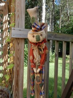 FoLk Art PrimiTive Fall crOw HALLOWEEN GruNgy SCARECRoW PUMPKIN DOLL DooR Charm…