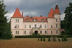 Kornis-Széchenyi kastély Rum Heart Of Europe, Homeland, Attraction, Beautiful Places, Palaces, Mansions, Landscape, House Styles, Medieval
