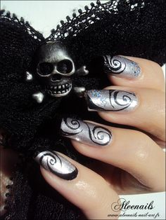 http://aleenails-nail-art.fr/swirl-effect/