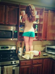 And sometimes you just want to reach something in the kitchen and have to go to extreme lengths.   29 Things Only Girls Shorter Than 5-Foot-3 Will Understand