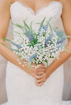 The possibilities are endless from navy to dusty blue to cerulean, there are so many shades of this cool hue to mix & match for your #wedding bouquet x
