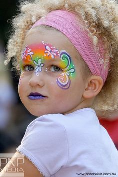 cute rainbow face painting for little faces Face Painting Flowers, Girl Face Painting, Face Painting Designs, Painting For Kids, Face Paintings, Halloween Make Up, Halloween Face, Easter Face Paint, Rainbow Face Paint