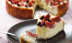 İncirli Pasta tarifi mi aramıştınız? İncirli Pasta nasıl yapılır, İncirli Pasta hazırlanışı, malzemeleri ve resimli anlatımı Mis Pasta Tarifleri'nde! http://www.mispastatarifleri.com/incirli-pasta-tarifi/