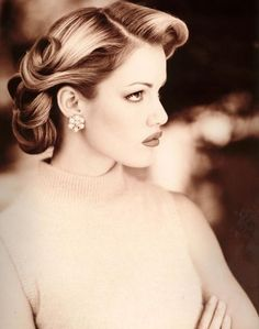 we ❤ this!  moncheribridals.com  #retroweddinghair #vintageweddinghair #weddingupdo