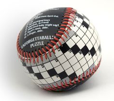 Genial idea, en una parte la cuadrícula y en la otra parte las preguntas... Otra forma de jugar baseball #crucigramas #pasatiempos