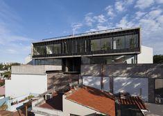 Edificio de Viviendas Acha / MONOBLOCK