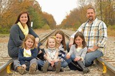 Family photo shoot, arranging, color scheme, ThingsHopedFor.org