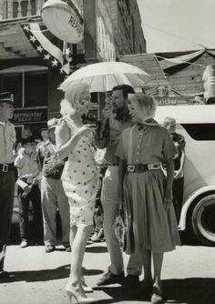 """Marilyn Monroe & Thelma Ritter, on the set of """"The Misfits"""" 1961"""