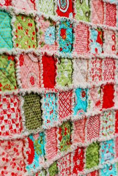 Bliss Rag Quilt ~ Love the color combo!