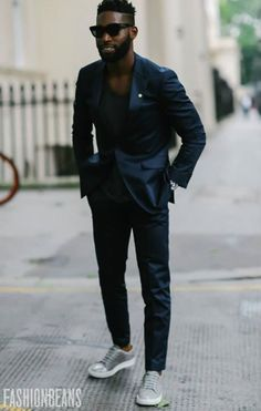 Street Style Photographs by FashionBeans: Tinie Tempah Hip Hop Fashion, Urban Fashion, Mens Fashion, Street Fashion, Men's Grooming, Edi Rock, Men's Street Style Photography, Old School Style, Hip Hop Dance Outfits