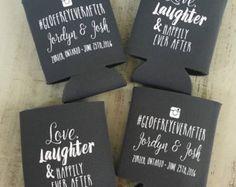 Mariage personnalisé Hashtag peut Cooler - amour rire heureusement jamais de mariage faveur peut Coolie - Engagement Party Favors - mariage Coolies