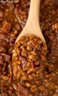 Make canned baked beans even better! This recipe for Easy Ultimate Baked Beans w. Make canned baked beans even better! This recipe for Easy Ultimate Baked Beans w…- Make canned Canned Baked Beans, Best Baked Beans, Baked Beans With Bacon, Baked Bean Recipes, Beans Recipes, Crock Pot Baked Beans, Bushs Baked Beans Recipe, Backed Beans, Cowboy Beans