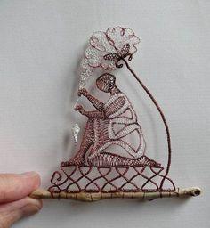 L'artista che crea straordinarie sculture unendo il pizzo al legno (FOTO)