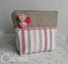 Cidiana: Neceser con rosas de piculina y tutorial.