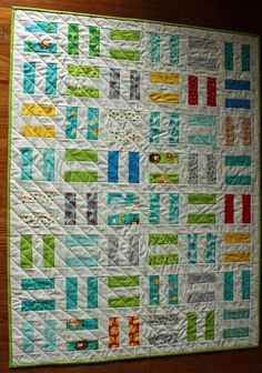different to my bungle jungle quilt! Modern Baby Quilt for Boy or Girl in Moda Bungle Jungle Fabrics with White, featuring Animals in Rail Fence Pattern Jellyroll Quilts, Scrappy Quilts, Easy Quilts, Small Quilts, Amish Quilts, Quilt Baby, Rail Fence Quilt, Scrap Quilt Patterns, Charm Pack Quilts