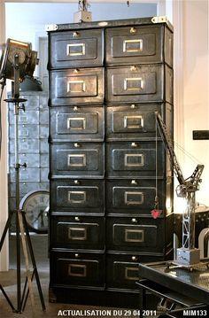 meuble de dentiste girator tr s beau meuble dentaire cylindrique vers 1950 plateau tournant. Black Bedroom Furniture Sets. Home Design Ideas
