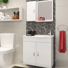 Mesmo que seja um gabinete de banheiro pequeno, é um item essencial para deixar o ambiente bem organizado com tudo no lugar. Além de tudo, um móvel por mai