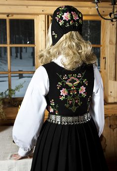 Lundeby Norwegian Clothing, Costume Ideas, Costumes, Traditional Dresses, Folklore, Norway, All Things, Scandinavian, Bell Sleeve Top