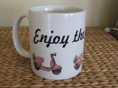 vintage photo mug pink vespa par TwirlyGirlTees sur Etsy, $14,00